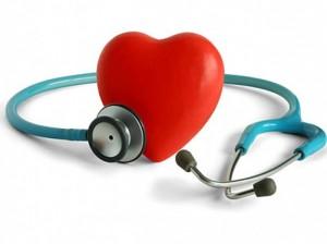 stetoskop-i-zdjęcie-w-kształcie-serca-materiał_38-5422