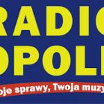 Nasi wolontariusze z ich koordynatorem na żywo w Radio Opole